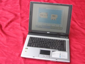 03-Laptop2